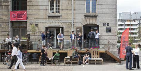 founder house founders house fusionerer med norske mesh og bliver