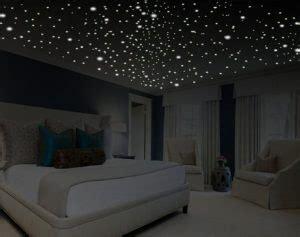desain kamar glow in the dark mendesain kamar dengan wall sticker decodeko