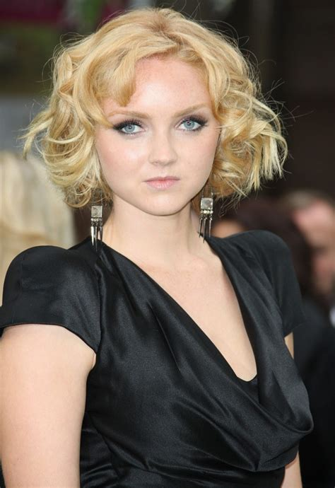 lily cole picture 11 world premiere of snow white and