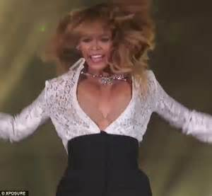 beyonce suffers wardrobe malfunction in sassy high