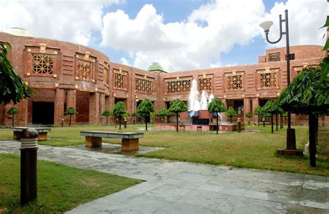 Mba Fields In Iim by The Iim Lucknow Cus Provides A Great Backdrop For Its