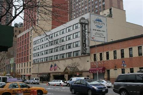 new york travel inn hotel on 515 west near the station picture