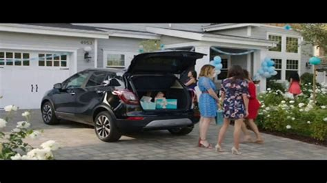 buick commercial actress gets in wrong car actress in buick encore commercial autos post woman in