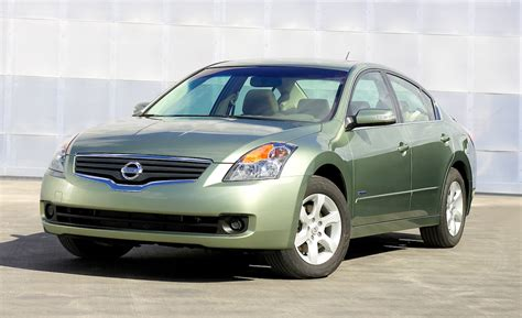 car nissan altima 2009 nissan altima hybrid euthanized for 2012 car and driver blog