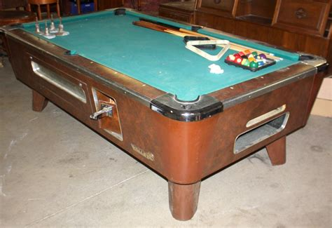 Valley Bar Table Valley Bar Room Pool Table W Cues J M Wood Auction Company Inc