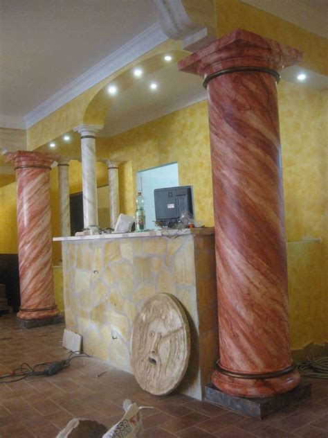 capitelli in gesso per interni colonne decorative per interni colonne e capitelli
