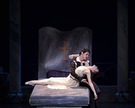 romeo and juliet bed scene carolina ballet s quot romeo and juliet quot triangle arts and