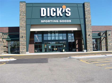 s sporting goods store in roseville mn 393