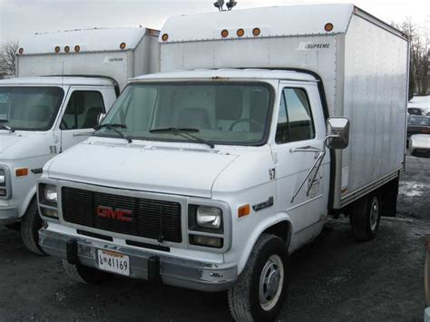 electronic stability control 1993 gmc jimmy head up display service manual 1993 gmc vandura 3500 repair seat travel