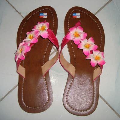 sandal kulit bunga jepun pink oleh2bali kerajinan