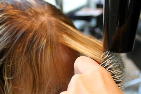 blow dry your hair what brush to use hairboutique how to blow dry perfect bangs ramshackle glam