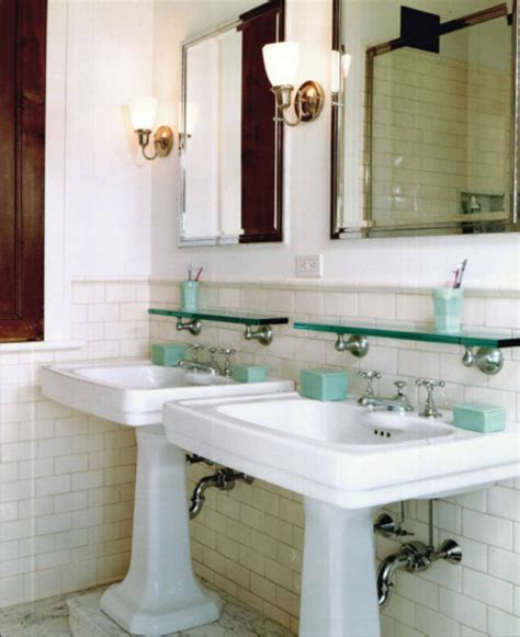 Looking Bathrooms Elements Of A Vintage Bath Cove Molding Pedestal Sink