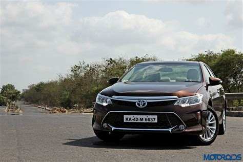 Toyota Hybrid 2015 New 2015 Toyota Camry Hybrid Review Virtuous Opulence