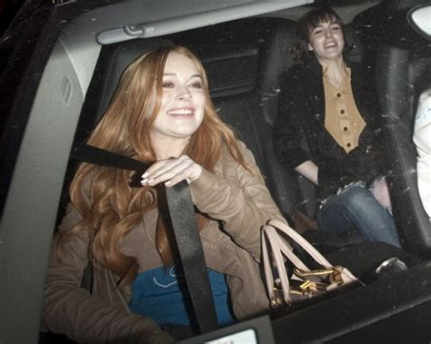 Paparazzo Hits Lindsay Lohans Car by Lindsay Lohan Hit Someone With Car Againtoday S Evil