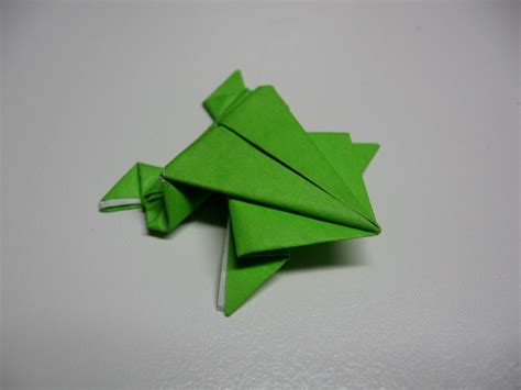 Leaping Frog Origami - origami how to make an origami jumping frog from an index