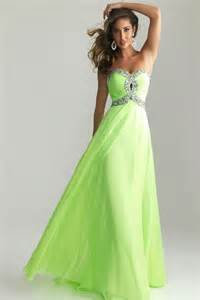 Prom dress green 2016 2017 fashion gossip