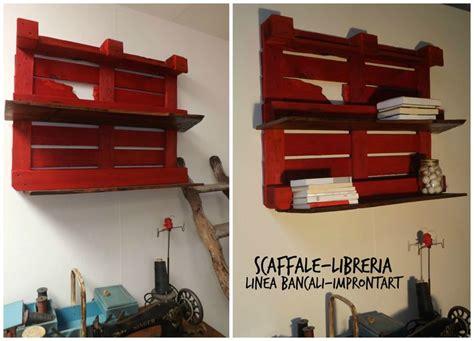 costruire uno scaffale con un bancale puoi costruire uno scaffale libreria