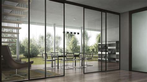 tips awet gunakan pintu kaca geser rumah  gaya hidup