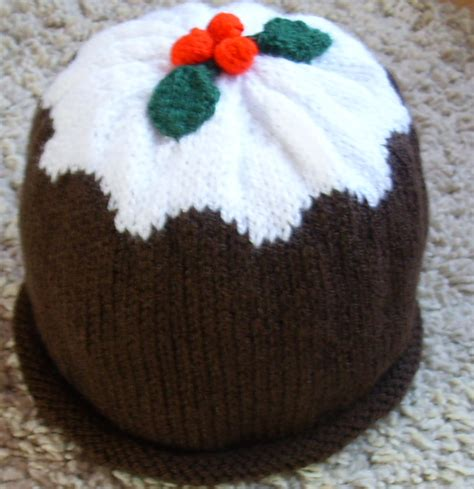 knitting pattern xmas knitted christmas pudding hat by hewi7394 on deviantart