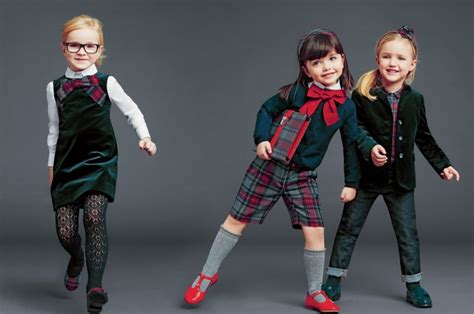 kindermode fuer maedchen charmante outfits fuer den winter