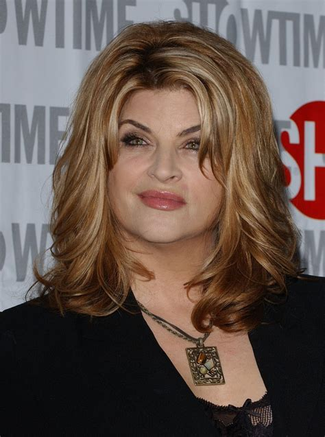 does kirstie alley have hair extensions kirstie alley medium wavy cut kirstie alley hair looks