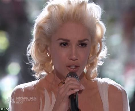 gwen stefani delivers emotional performance of used to gwen stefani delivers emotional performance of used to