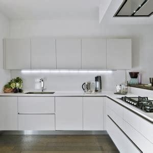 cucine moderne bianche cucine in muratura rustiche idee per la casa in cagna