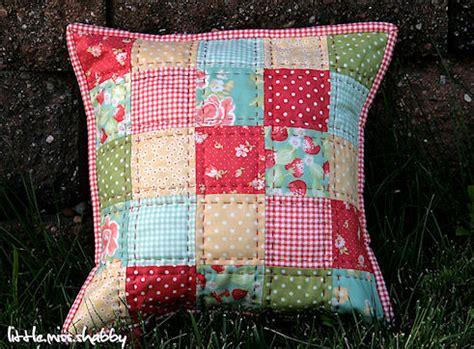 Free Patchwork Patterns For Cushions - that quilted pillow a free tutorial coriander quilts