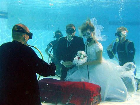 Wedding Underwater by Fantastic Wedding Water Becomes Popular Wedding