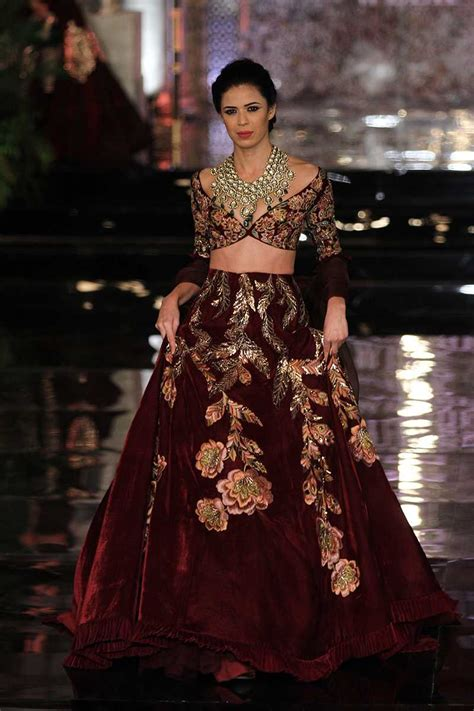 braut einzug manish malhotra bridal www imgkid the image kid