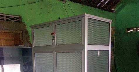 Lemari Es Kediri harga lemari etalase kaca aluminium harga c