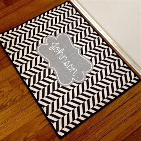 design   door mat  monogram