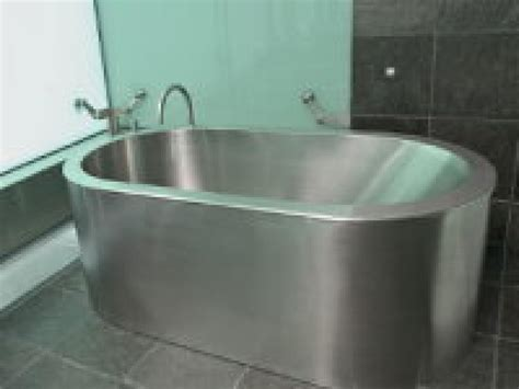 buying a bathtub without getting soaked bathroom ideas