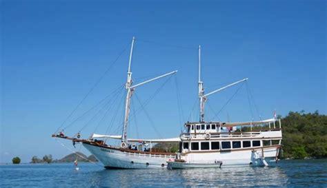 sailing boat airbnb menginap dan berlayar dengan kapal mewah coba airbnb ini