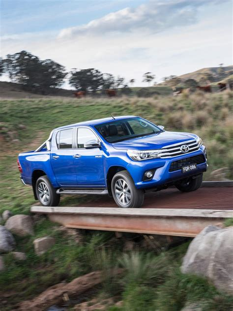 truck toyota 2016 all new 2016 toyota hilux enters global midsize truck
