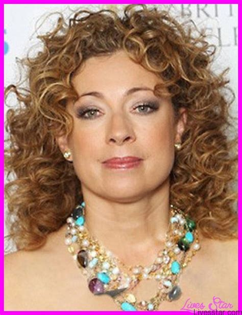 Naturally Wavy Hairstyles by Haircuts For Curly Hair Medium Length Livesstar
