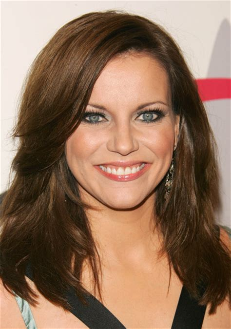 martina mcbride martina mcbride hairstyles best medium hairstyle