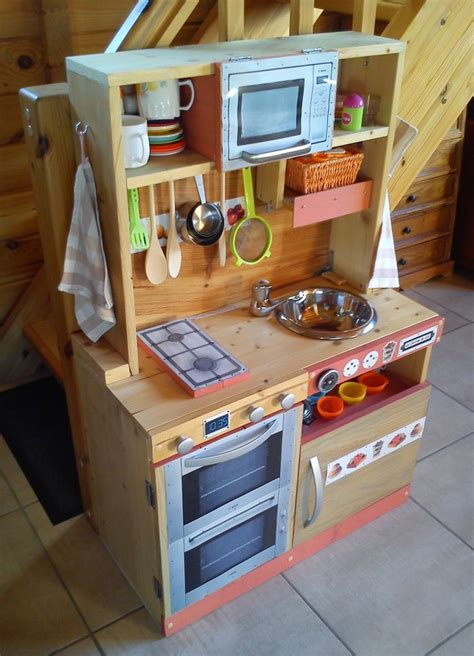 cuisine en bois pour enfants cuisini 232 re en bois pour enfant fait maison diy