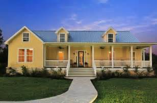 Texas Farmhouse Homes pinterest discover and save creative ideas