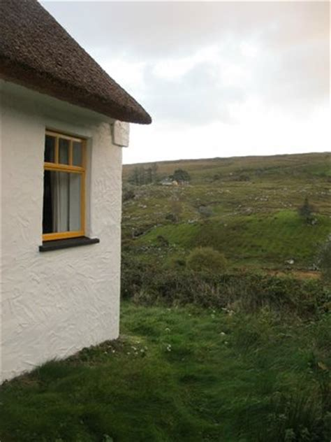 picture of connemara country cottages recess