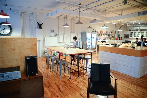 startup  designing    world office spaces