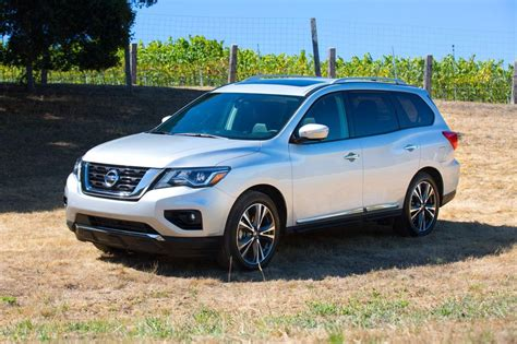 price of nissan suv 2017 nissan pathfinder suv pricing features edmunds