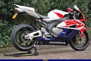 Honda Cbr 1000 Rr Specs 2004 Honda Cbr 1000 Rr Pics Specs And Information