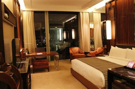 fullerton hotel room spacio picture of the fullerton bay hotel singapore singapore tripadvisor