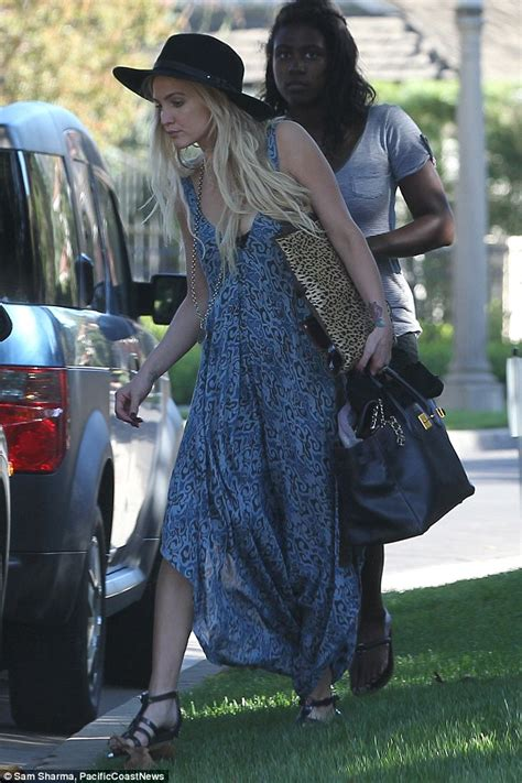 Get Look Ashlee Simpsons Outfitters Dress by Lovebirds Ashlee And Evan Ross Pay In A