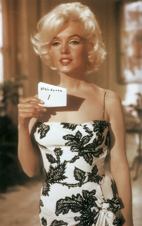 Ndress Marillynro irreplaceable marilyn dressed up
