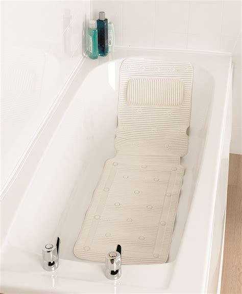 fond de antid礬rapant une baignoire adapt 233 e au grand 226 ge ou au handicap tous ergo