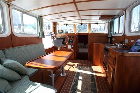 small boat interior design ideas best ideas about small houseboat interiors small houseboat