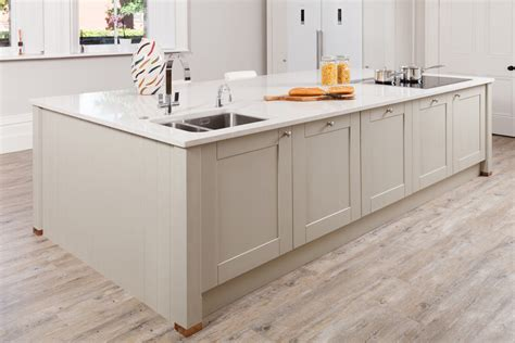 Modernizing Oak Kitchen Cabinets How To Design Modern Oak Kitchens Solid Wood Kitchen Cabinets Information Guides