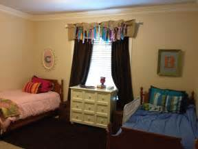 room decorating ideas for shared rooms shared boy room spin